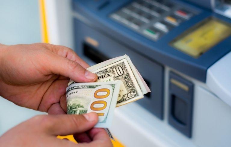 Sacar dinero en Tailandia