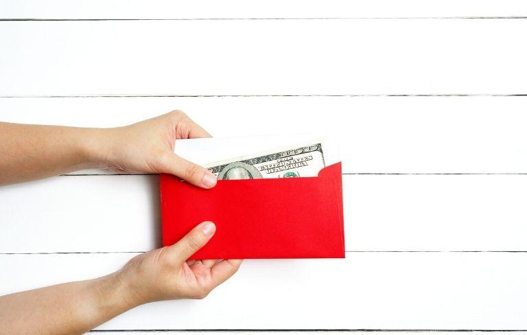 Cómo bendecir el dinero recibido